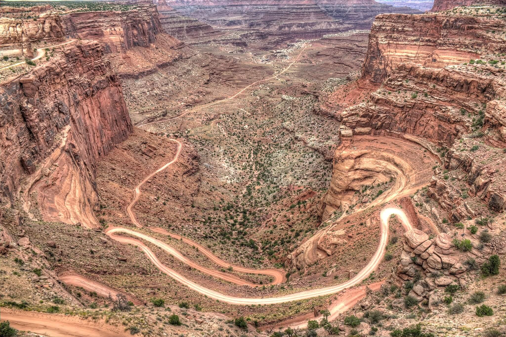 Banner-shafer-trail-canyonlands-national-park