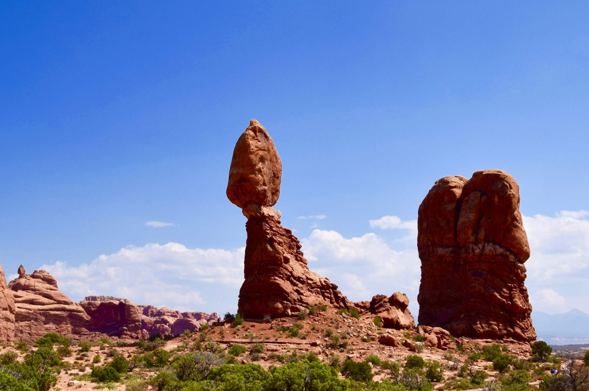 banner-balanced-rock-boulder-arches-national-park