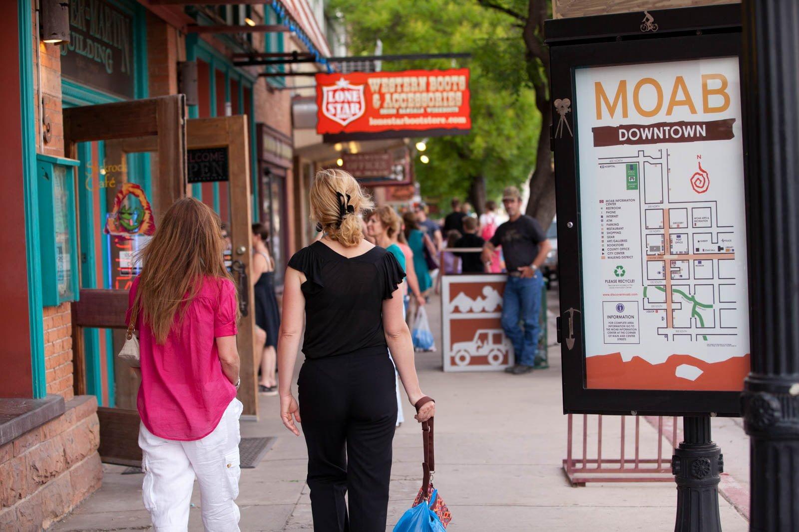 banner-moab-shopping