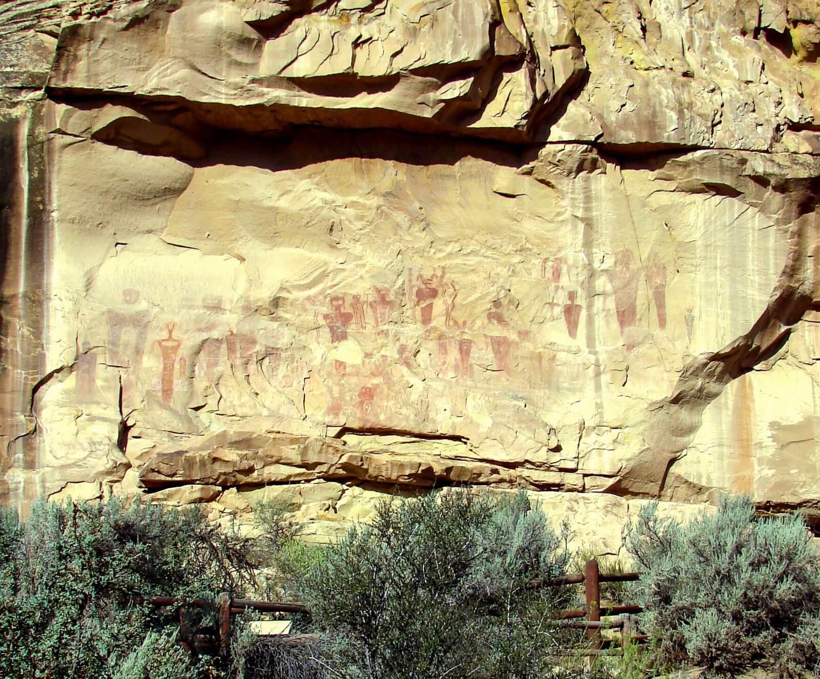 utah petroglyph rock art